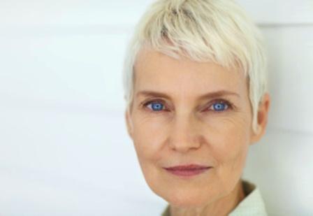 mujer feliz menopausia 1