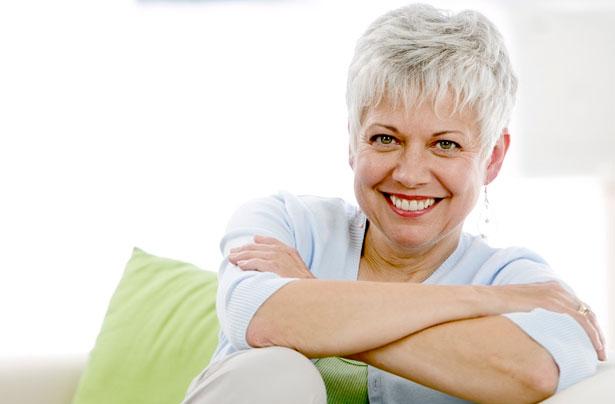 mujer feliz menopausia